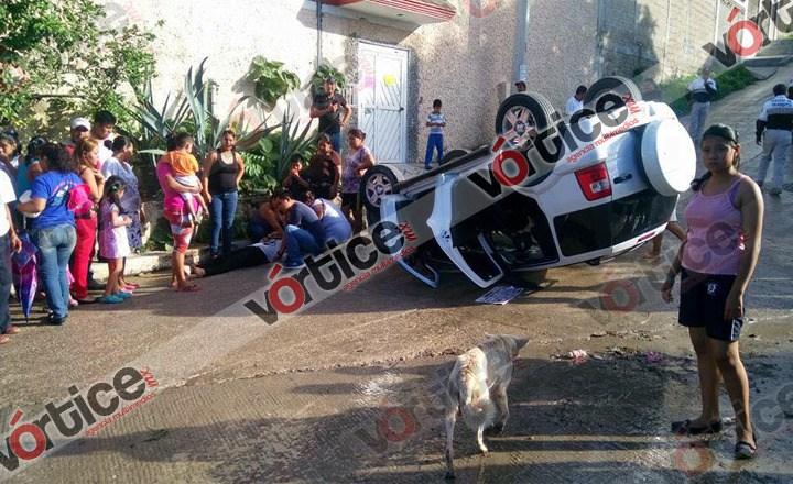 Vuelca catedrática en Tuxtla; se encuentra grave