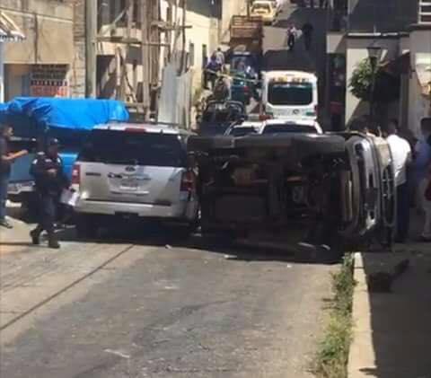 Disparan contra camioneta del diputado Mauricio Cordero; al parecer transportaban 1 mdp