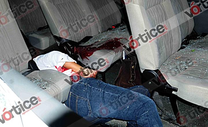 Cable de Telmex provoca accidente; una pasajera muere desnucada