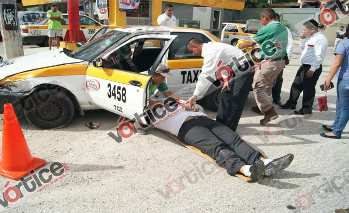 """Carambolazo"" en Terán deja a dos personas heridas"
