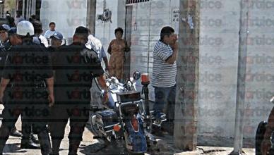 Asaltan a una cuentahabiente; le despojaron de 15 mil pesos