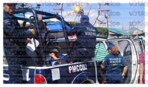 Ciudadanos detienen a dos ladrones; la policía estaba comiendo