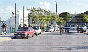 Pánico en Cancún; atacan a la fiscalía, arrojan granadas a comercios y se desatan balaceras