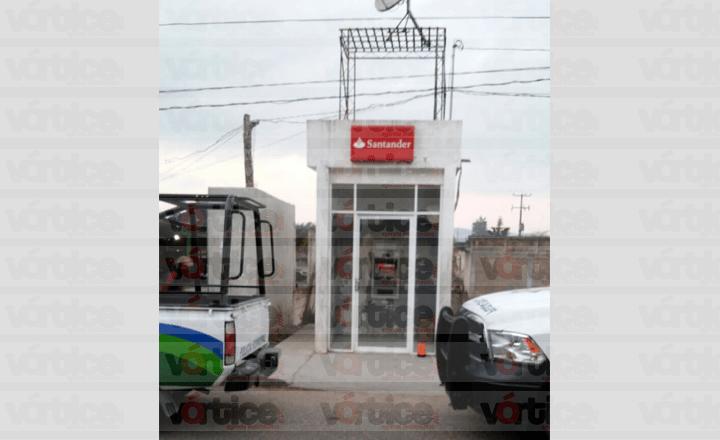 Roban cajero automático en La Trinitaria
