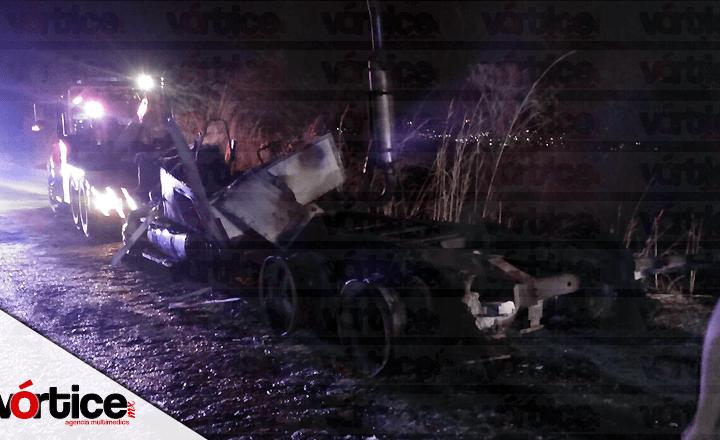 Camionero casi queda calcinado tras sufrir accidente