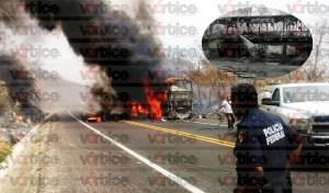 Se incendia autobús turístico en carretera de cuota a San Cristóbal