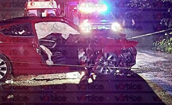 Mueren tres personas en accidente automovilístico en Villaflores