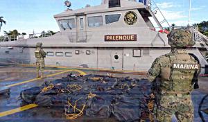 Aseguran más de una tonelada de presunta cocaína en las costas de Chiapas