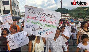 Marchan chiapacorceños y la CNTE para exigir la liberación de manifestantes detenidos