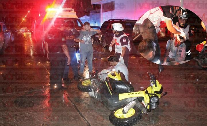 Joven en presunto estado de ebriedad se accidenta a bordo de su motocicleta