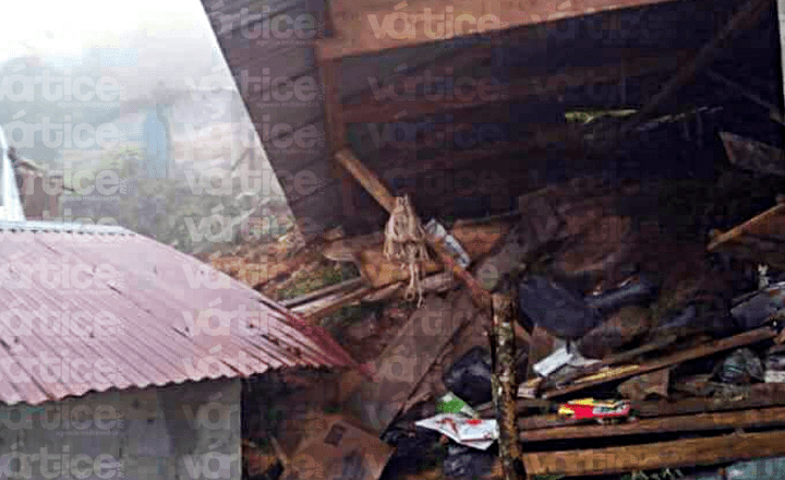 Mueren 5 niños tras quedar sepultados por un alud de lodo y piedras