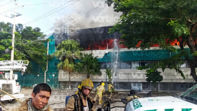 Presuntos normalistas incendian oficinas de la Subsecretaría de Educación Federalizada en Tuxtla
