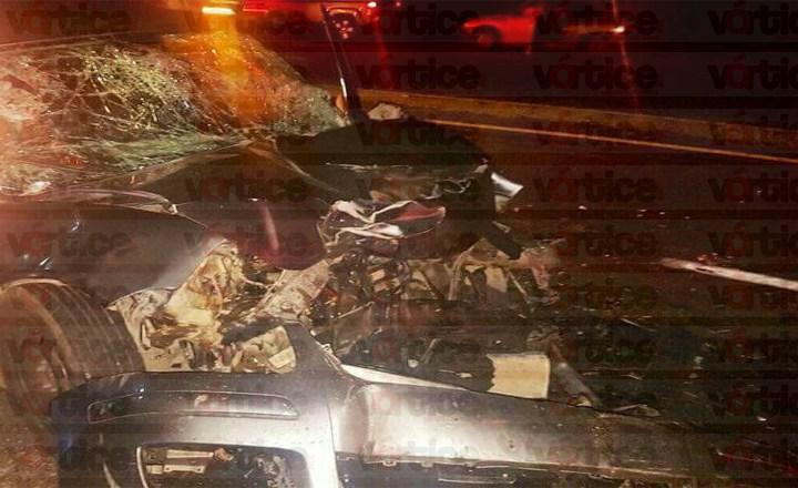 Mueren dos funcionarios del gobierno del estado en accidente carretero