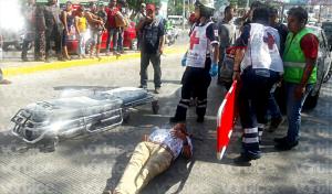 Taxistas se agarran a puñetazos y mordidas frente al hotel Marriot