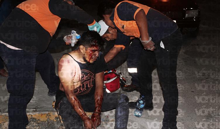 A batazos golpean a hermano de un taxista en Real del Bosque