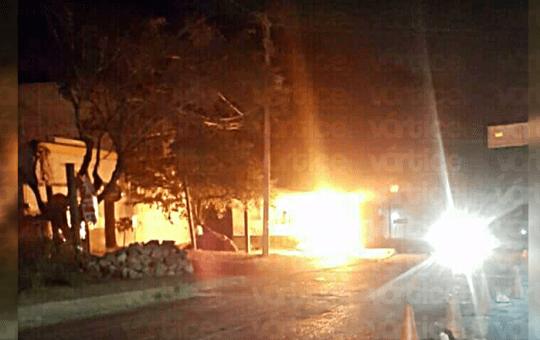 Queman módulo de la Policía en la salida a Chicoasén