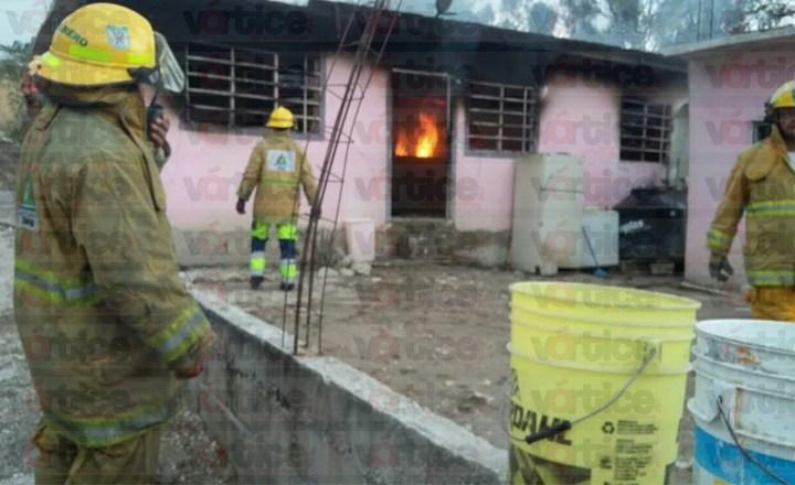 Intenta chiapacorceño quemar a su esposa; la mujer logra escapar