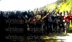 Amenazan encapuchados con utilizar las armas para recuperar sus tierras