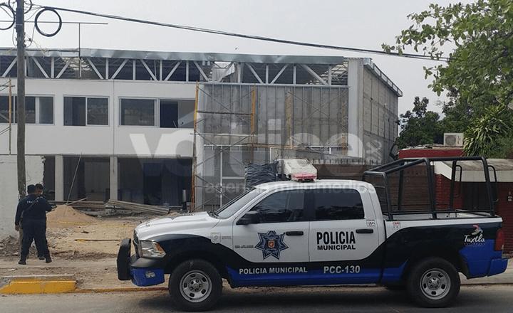 Fallece obrero tras caer del techo de una bodega en construcción