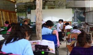 Piden apoyo para construcción de aulas en Tuxtla