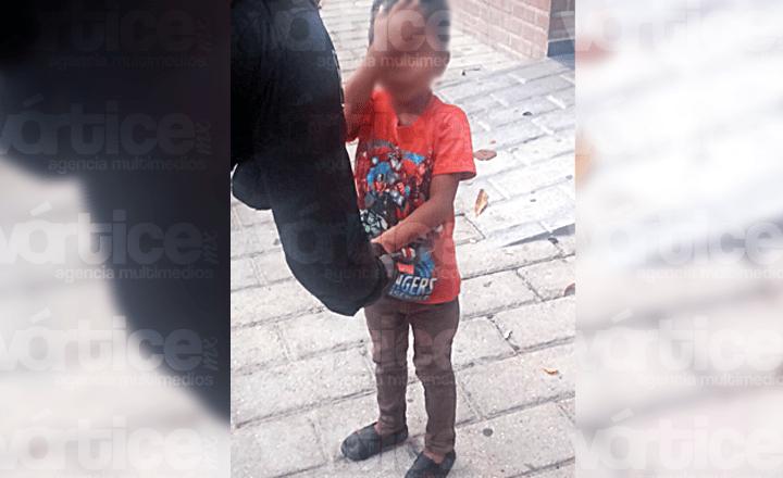 Encuentran a niño encerrado en un baño del Parque Madero