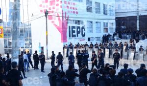 Enfrentamiento en el IEPC de Tuxtla deja tres heridos