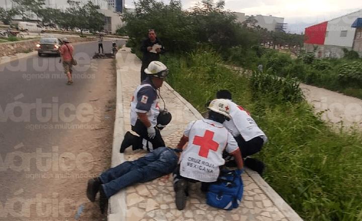 Muere motociclista tras chocar contra una guarnición en Tuxtla