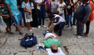 Se fractura motociclista en Tuxtla tras caer de su unidad