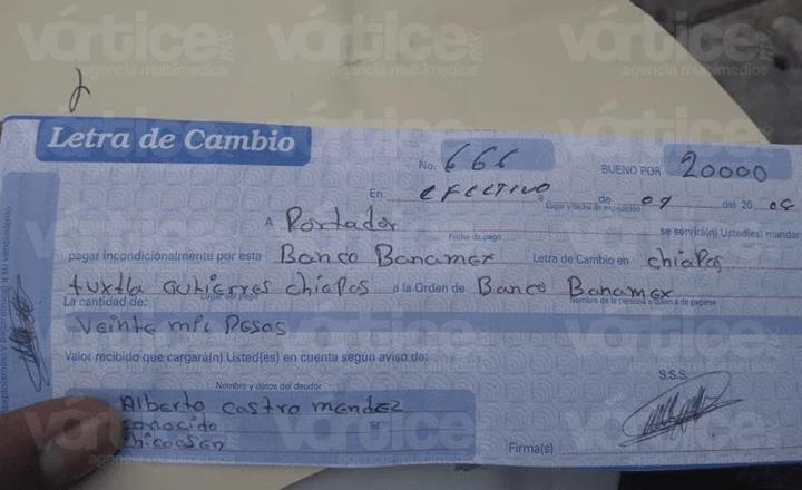 Engañan a estudiante con un pagaré falso y se llevan sus pertenencias