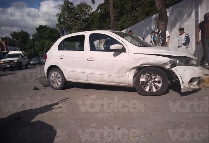 Accidente en Tuxtla deja a una conductora herida
