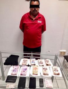 Detienen a pasajero con más de medio millón de pesos en Chiapas