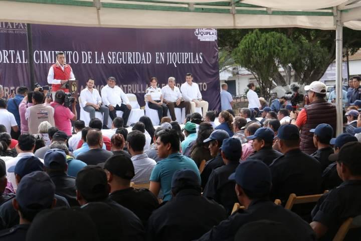 Chiapas no necesita policías que sometan sino que protejan y auxilien a la sociedad: Rutilio Escandón