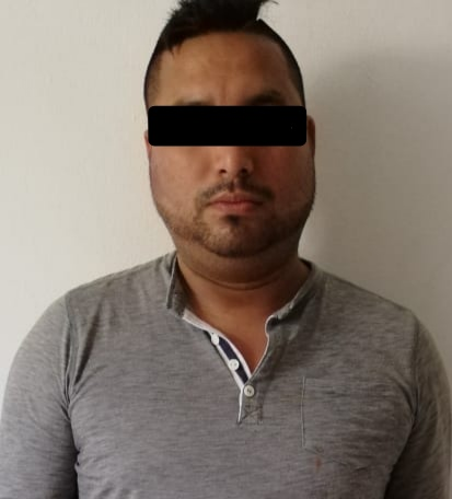 Policía de Tuxtla asegura a sujeto en posesión de droga
