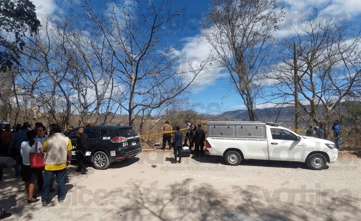 Golpeado, desnudo y lapidado fue hallado el cuerpo de mujer: FGE