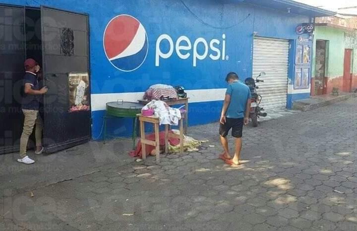 Ejecutan a vendedora de tortillas por negarse a pagar una extorsión