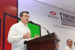 Transitaremos por el camino de la legalidad, sin solapar irregularidades en la obra pública: Rutilio