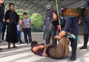 Amarran y cuelgan a presunto ladrón en San Cristóbal