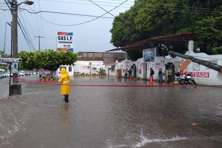 Tuxtla colapsada tras primeras lluvias