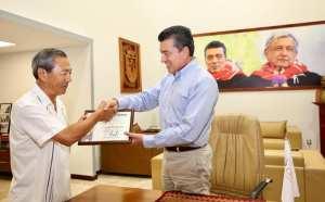 Reconoce Rutilio Escandón compromiso social de Young Yong Lee con Chiapas