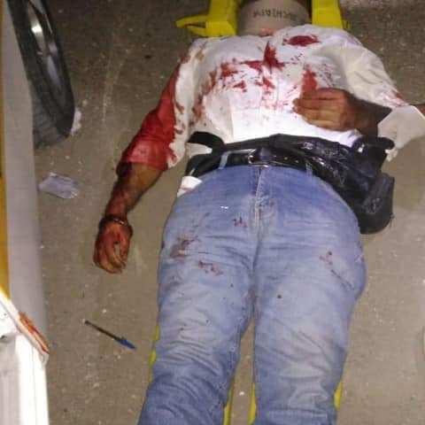 Muere taxista al volcar en La Cañada