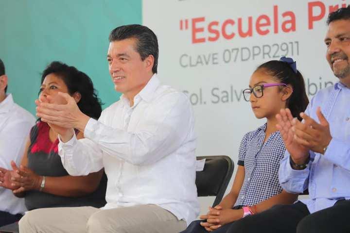 Con Becas para el Bienestar se mejora el porvenir de niñas, niños y jóvenes: Rutilio Escandón
