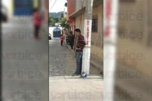 Grupo de vecinos casi linchan a presunto ladrón