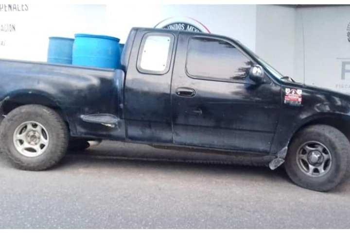 Aseguran 290 litros de combustible ilegal en Comitán
