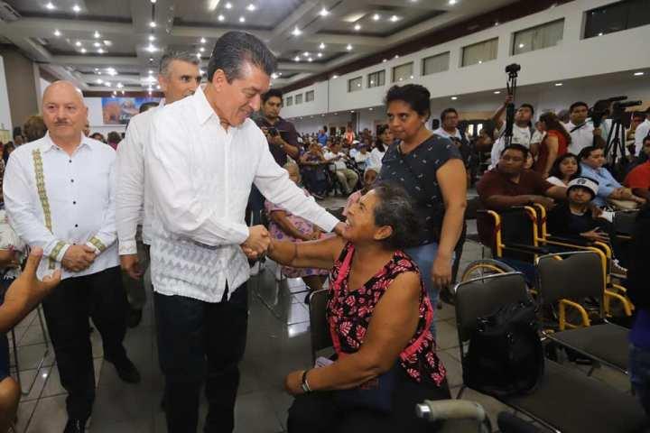 Entrega Rutilio Escandón ayudas funcionales a más de mil 200 personas con discapacidad