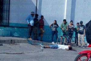 Ejecutan con el tiro de gracia a joven en Arriaga