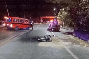 El motociclista salió proyectado a 25 metros de su unidad