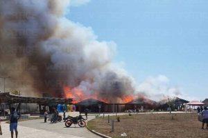 Se incendia Plaza Madero y quedan en cenizas más de 30 restaurantes