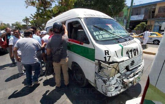Colectivazo deja 6 pasajeros de heridos en Tuxtla, Chiapas