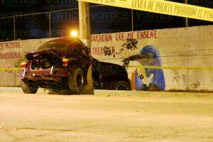 Muere copiloto tras chocar contra un poste en Terán