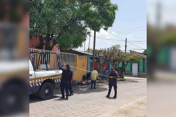 Dama se desvanece en vía pública y pierde la vida en Chiapa de Corzo